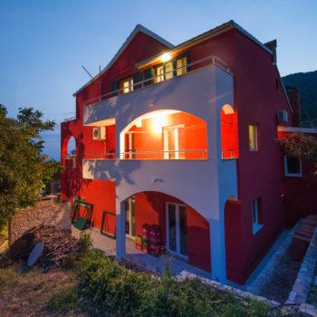 Apartmani Zanki Komiza